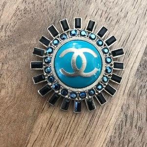 Chic Authentic Chanel Lapel Pin